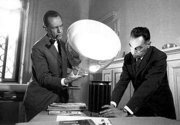 Flos taccia lampada da tavolo design castiglioni ebay - Tavolo castiglioni ...